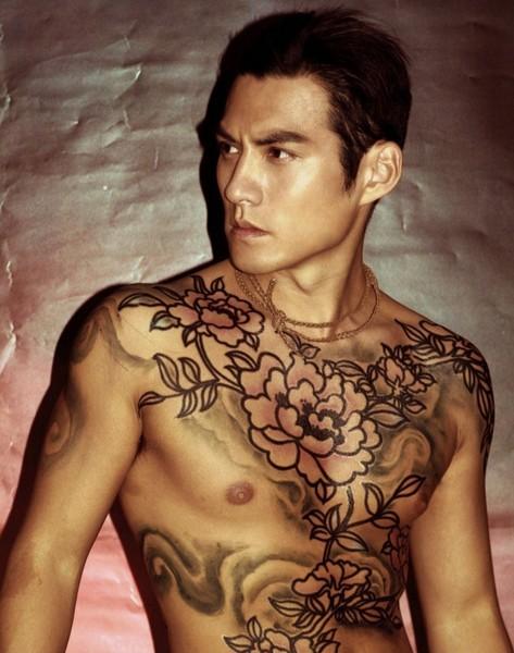 帅哥纹身高清图片-zol素材下载